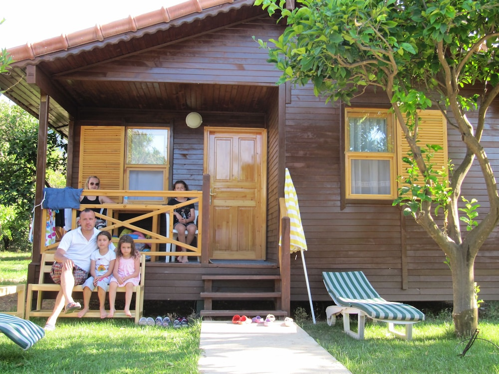 Featured Image, Baris Pension & Bungalows