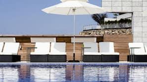 야외 수영장, 09:00 ~ 23:00 오픈, 카바나(요금 별도)