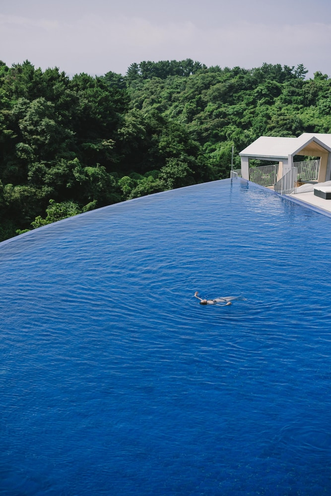 Infinity Pool, Hidden Cliff Hotel & Nature