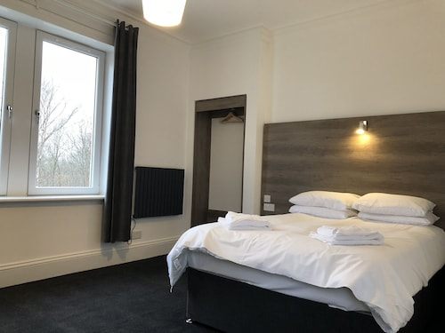Glasgow Airport Apartments