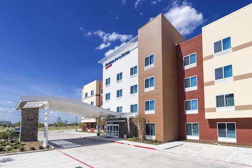 Great Place to stay Fairfield Inn & Suites by Marriott Dallas Waxahachie near Waxahachie