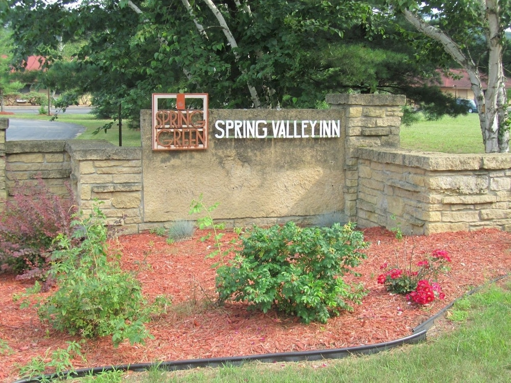 Property Grounds, Spring Valley Inn