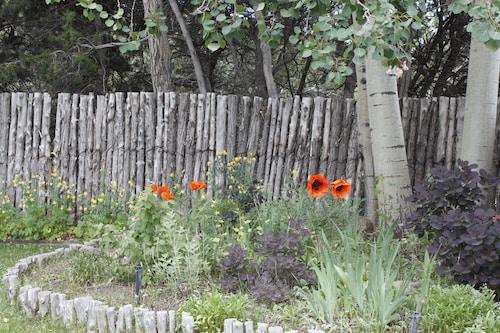 Great Place to stay Pinon Sanctuary near Santa Fe