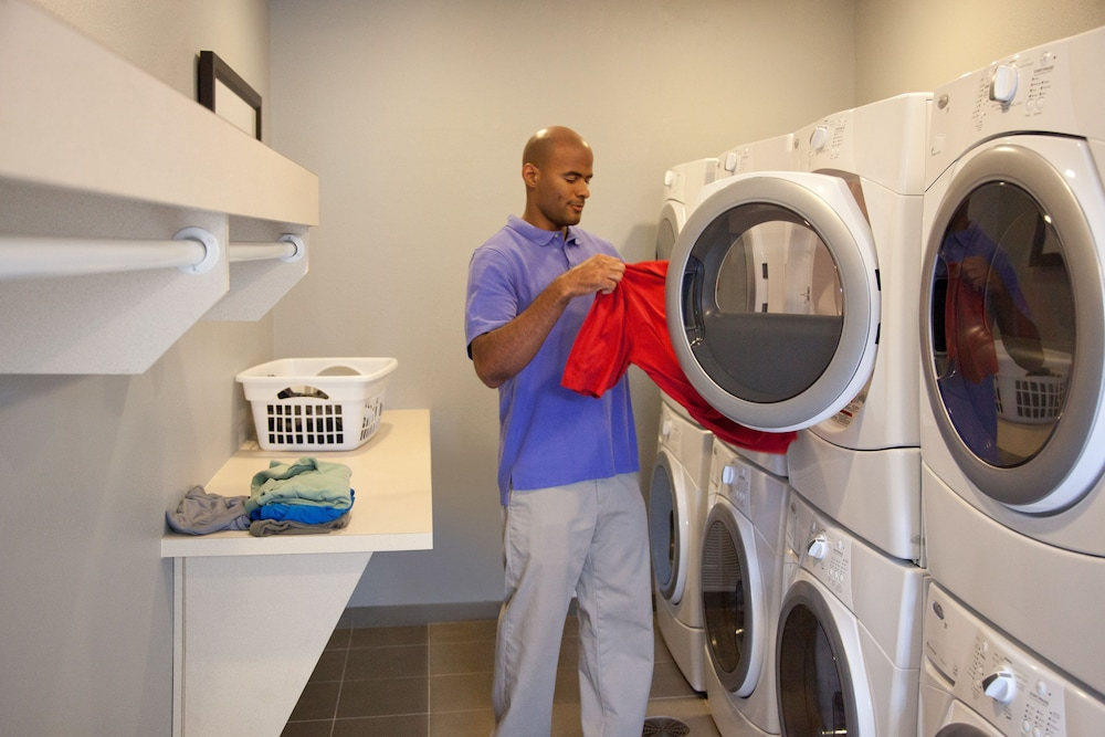 Laundry Room, Staybridge Suites Anaheim At The Park
