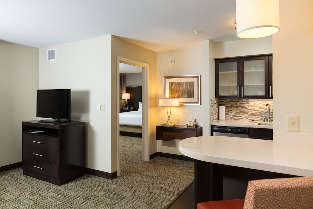 Room, Staybridge Suites Corona South