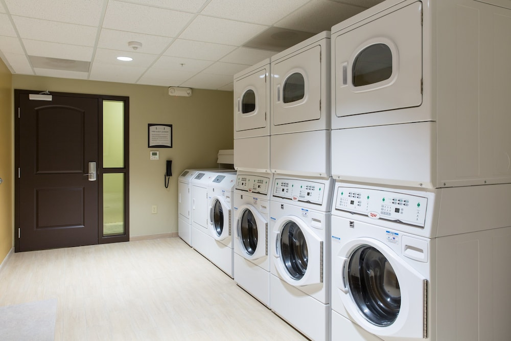 Laundry, Staybridge Suites Corona South