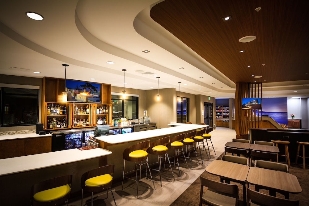 Bar, SpringHill Suites by Marriott The Dunes On Monterey Bay