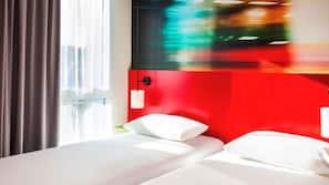 Colchones con acolchado adicional, escritorio, wifi gratis y despertador