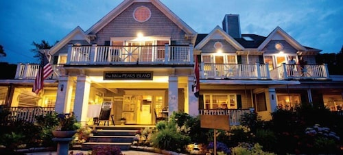 Front of Property - Evening/Night, Inn On Peaks Island