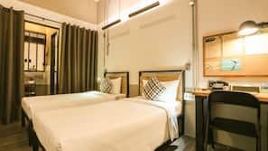 1 bedroom, down duvet, in-room safe, desk