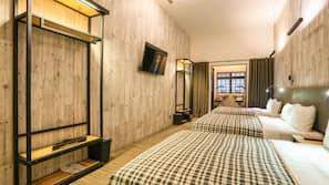 1 bedroom, down duvets, in-room safe, desk