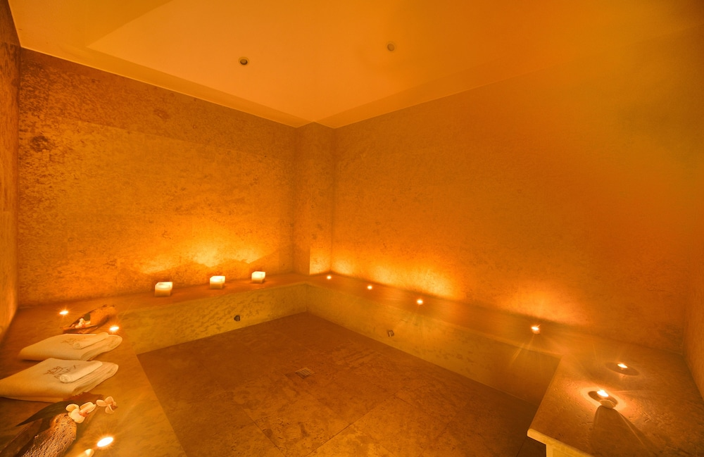 Steam Room, Anax Resort & Spa