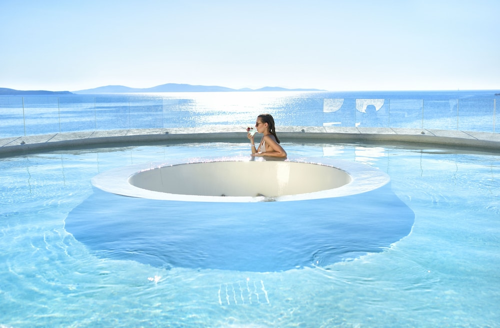 Outdoor Spa Tub, Anax Resort & Spa