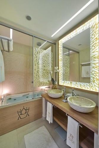 Bathroom, Anax Resort & Spa
