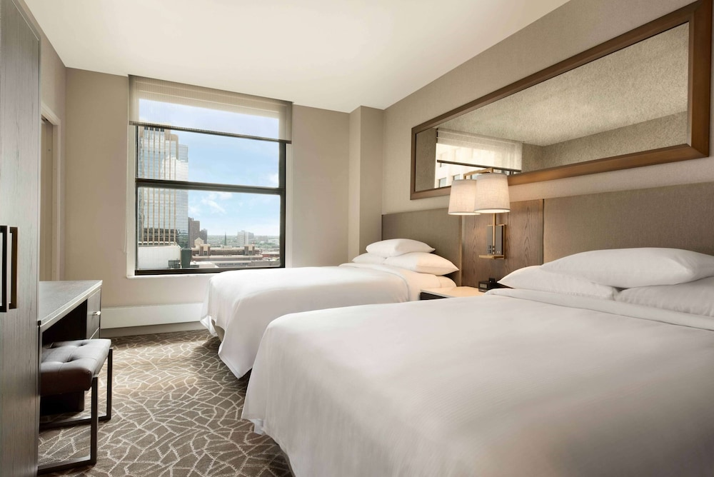 Room, Embassy Suites by Hilton Minneapolis Downtown