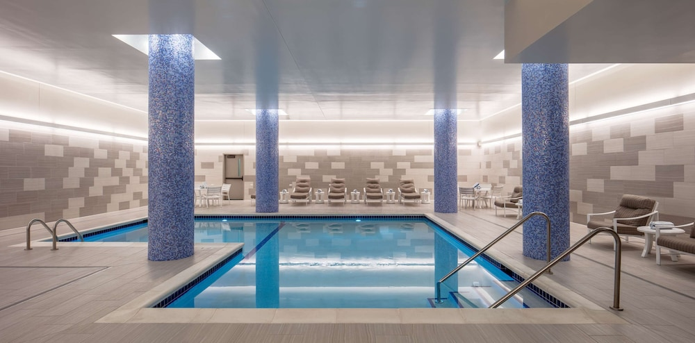 Pool, Embassy Suites by Hilton Minneapolis Downtown