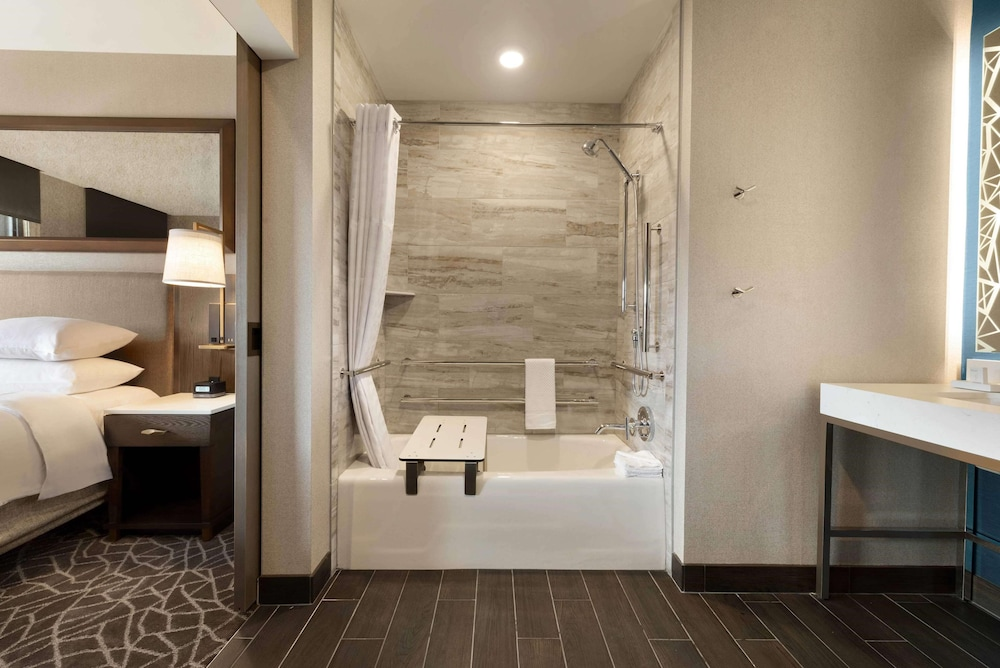 Bathroom, Embassy Suites by Hilton Minneapolis Downtown