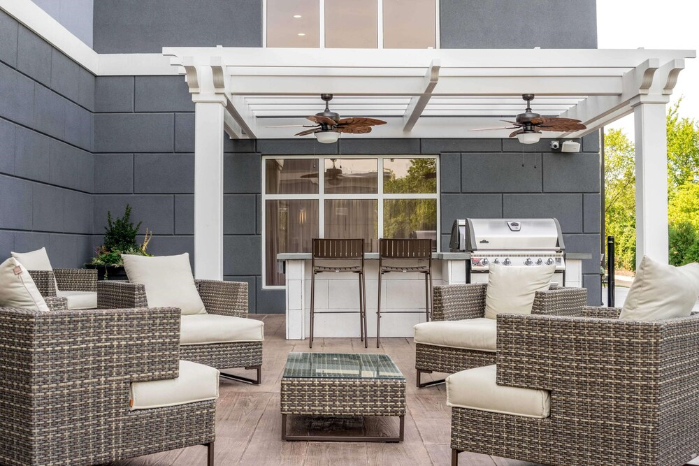 Terrace/Patio, Homewood Suites By Hilton Philadelphia Plymouth Meeting