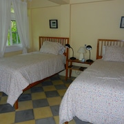 Canopy Bed & Breakfast