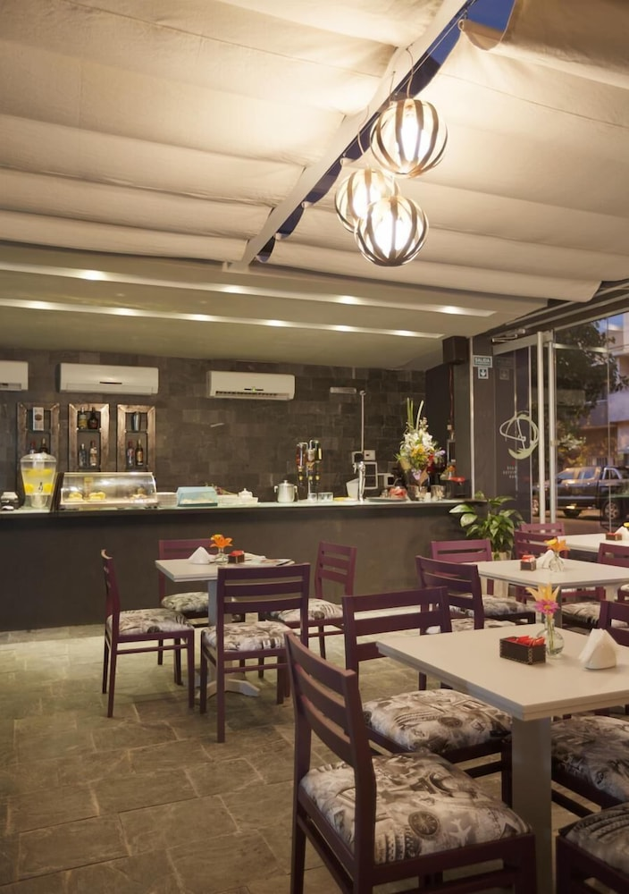 Restaurant, Ambit Boulevard Hotel Boutique