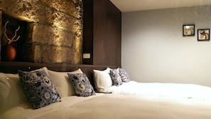 Premium bedding, blackout curtains, free WiFi, linens