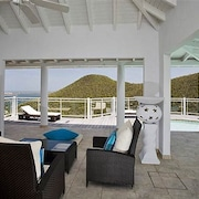 Villa Horizon by RedAwning