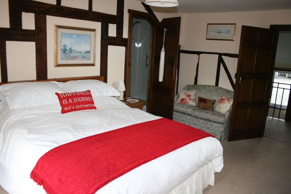 Pin on gay and lesbian bed and breakfasts in niagra falls canada