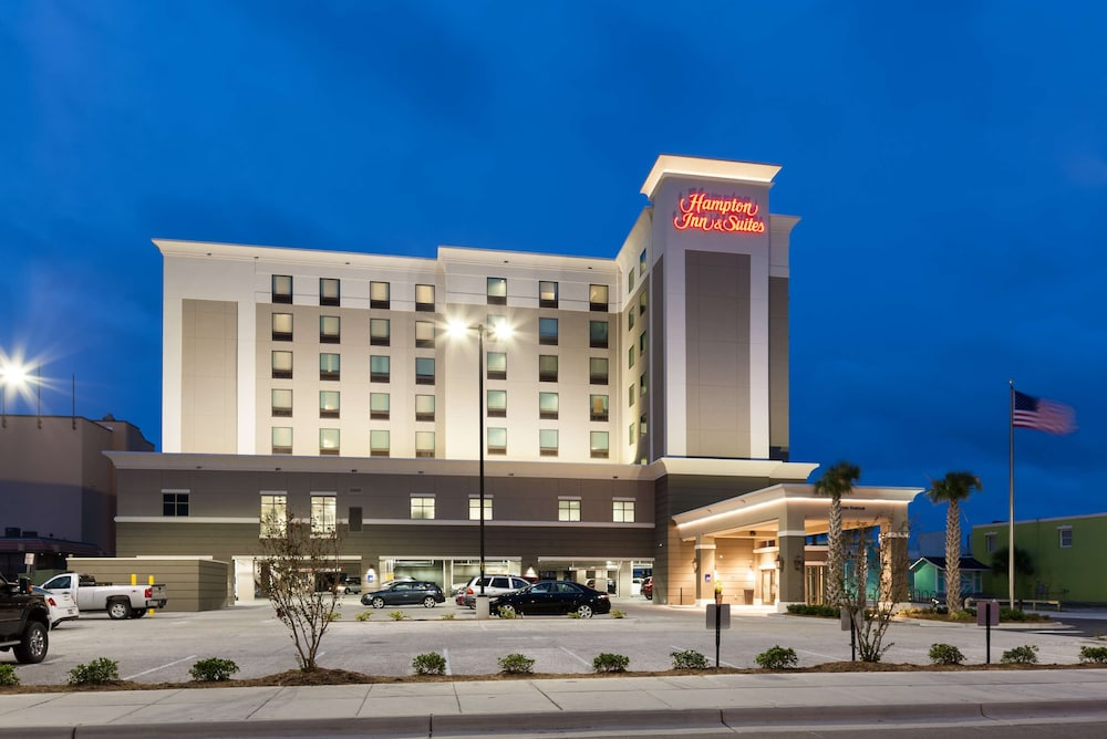 Exterior, Hampton Inn & Suites by Hilton Carolina Beach Oceanfront