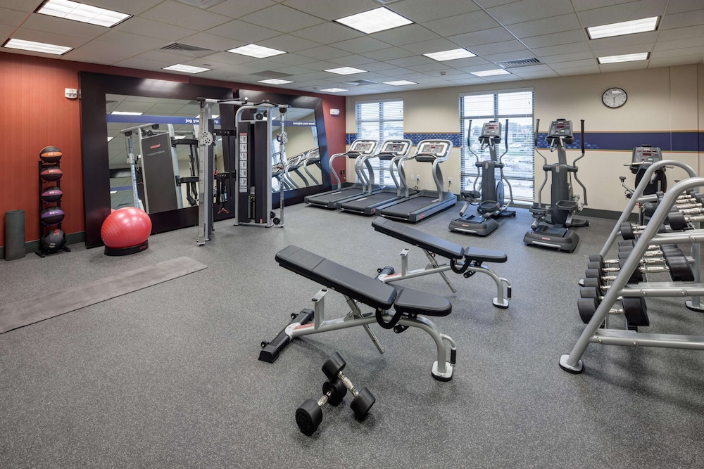 Fitness Facility, Hampton Inn & Suites by Hilton Carolina Beach Oceanfront