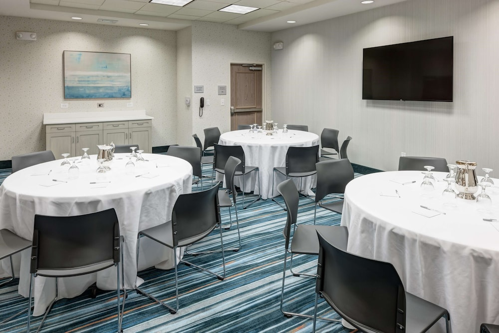 Meeting Facility, Hampton Inn & Suites by Hilton Carolina Beach Oceanfront