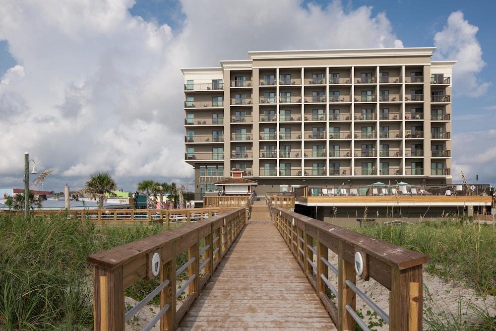 hampton inn suites carolina beach oceanfront in. Black Bedroom Furniture Sets. Home Design Ideas