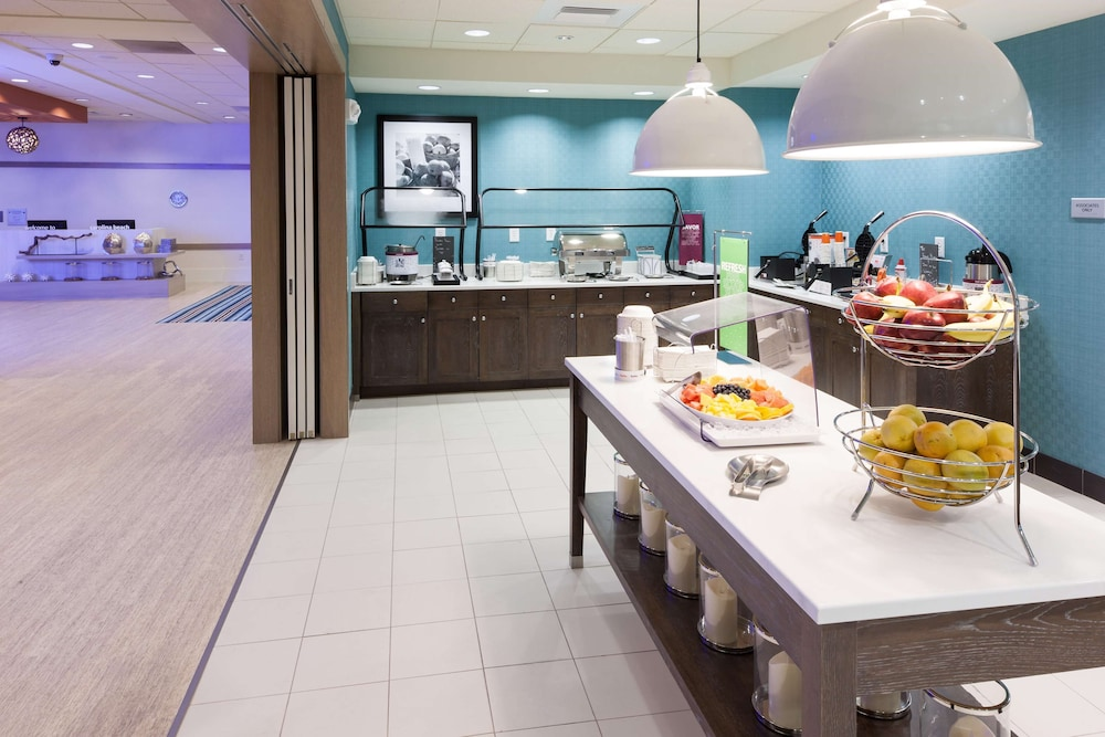 Breakfast buffet, Hampton Inn & Suites by Hilton Carolina Beach Oceanfront