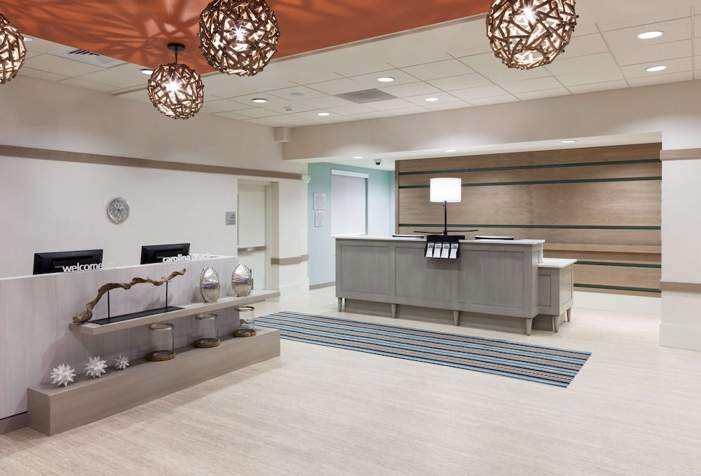 Reception, Hampton Inn & Suites by Hilton Carolina Beach Oceanfront