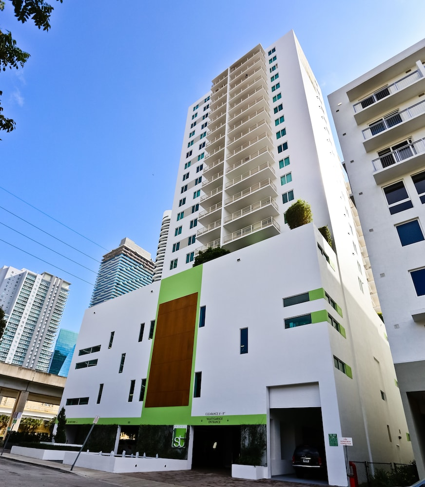 Miami Apartments: Nuovo Miami Apartments At Brickell