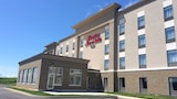 Hampton Inn & Suites by Hilton Truro - Truro Hotels