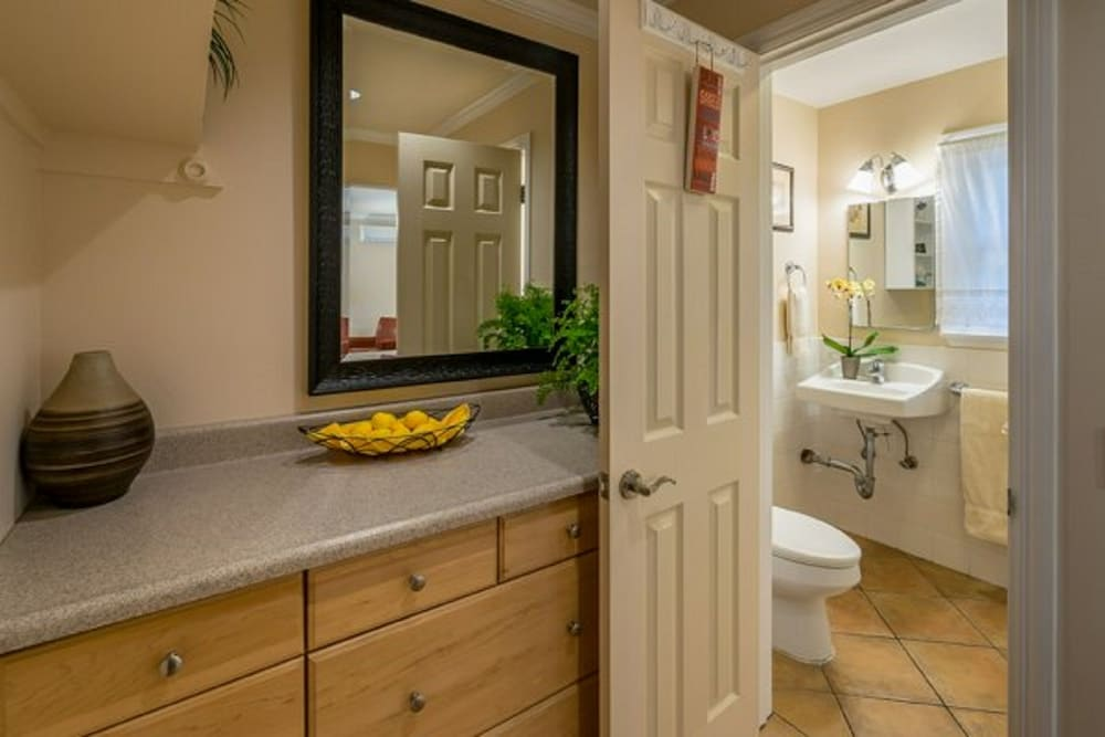 Bathroom, Beach House Inn