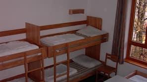Een strijkplank/strijkijzer, gratis babybedden, rolstoeltoegankelijk