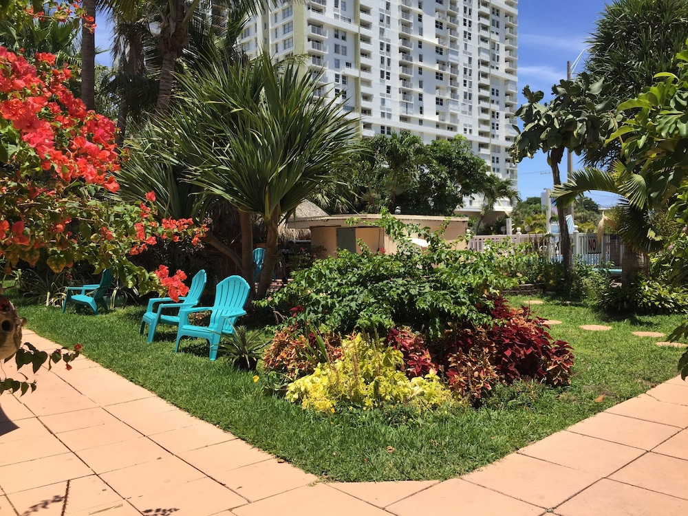 Garden, Sea Cove Resort Motel