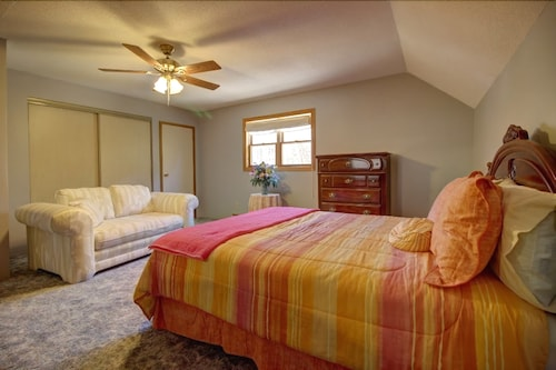 Check Expedia for Availability of Dreamland II Bed and Breakfast