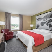 Super 8 by Wyndham Mont Laurier