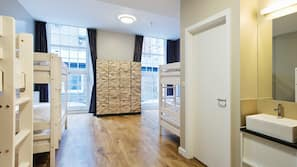 Coffres-forts dans les chambres, bureau