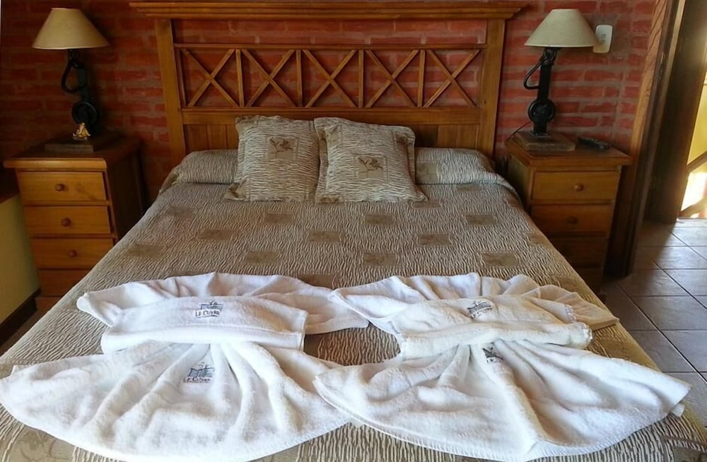 Le cuyen aparts reviews photos rates for Le marde hotel