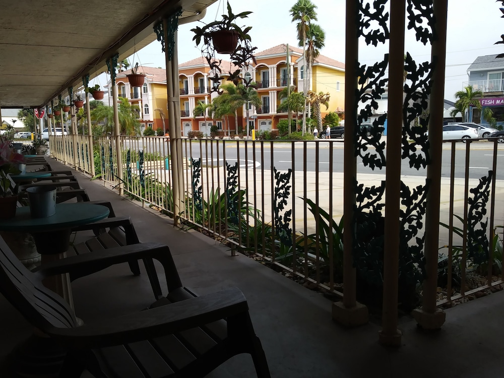 Porch, Siesta Motel