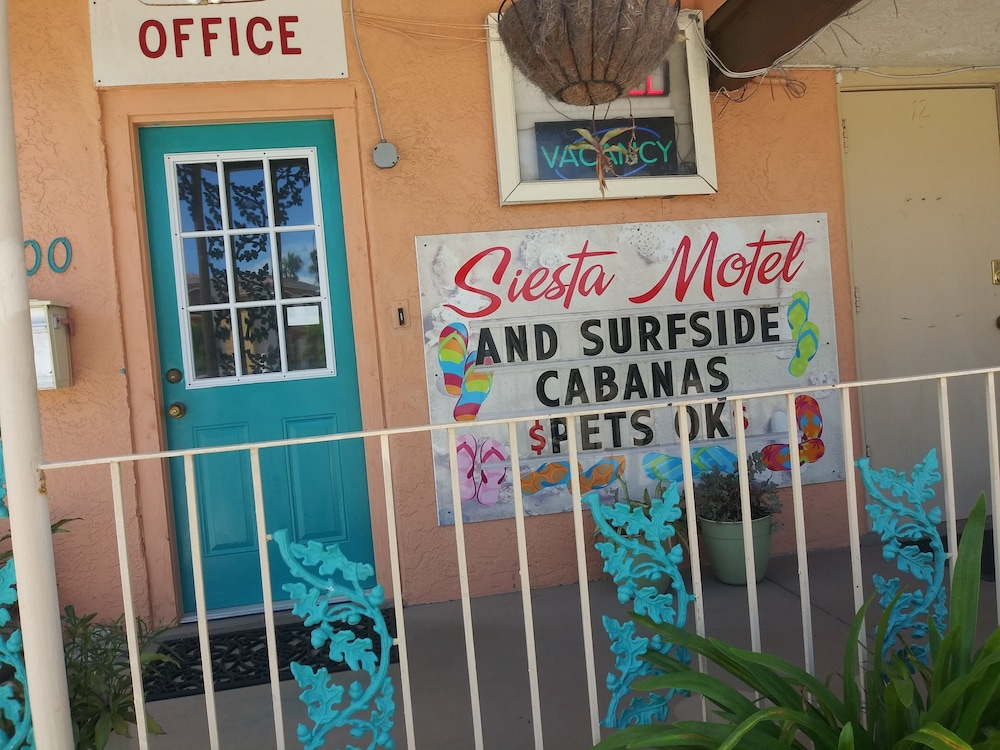 Front of Property, Siesta Motel