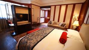 Biancheria da letto di alta qualità, minibar, cassaforte in camera