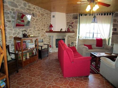 Casa Rural Os Carballos Barro 2019 Hotel Prices Expedia Co In