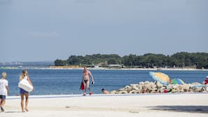 Beach nearby, white sand, sun-loungers, beach massages