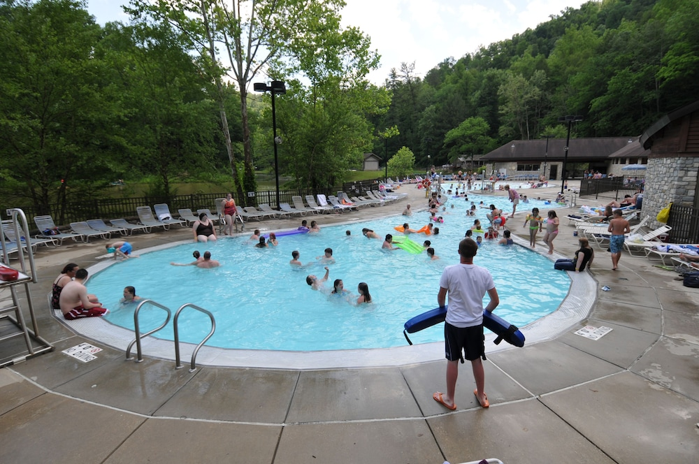 Natural Bridge State Resort Park In Slade Hotel Rates Reviews On Orbitz