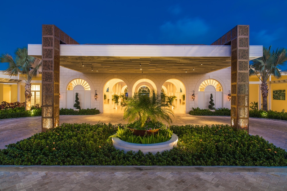 Front of Property - Evening/Night, The Shore Club Turks and Caicos