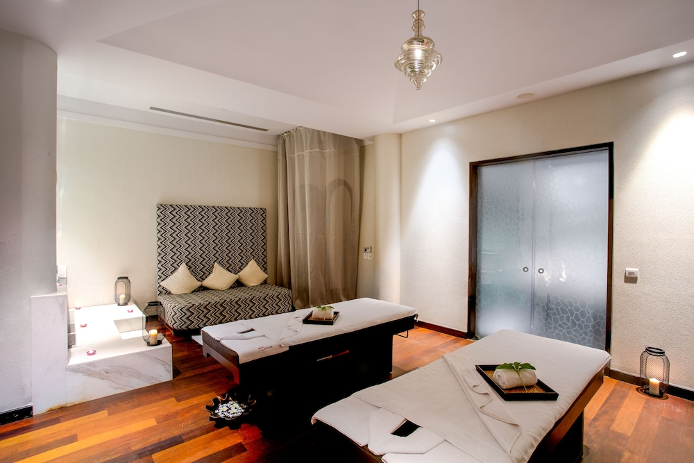 Treatment Room, W Goa